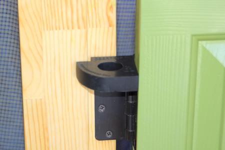 Doorprop on hinge